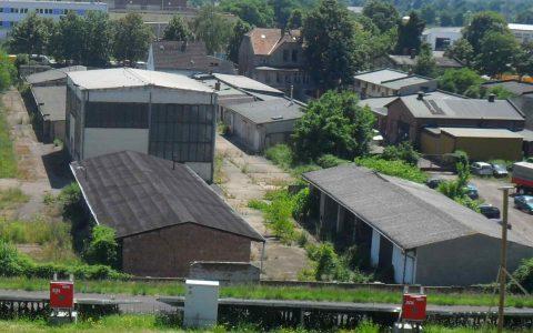 Gewerbegrundstück (12.000m²) mit Hallen und Produktionsgebäuden in Magdeburg-Ost